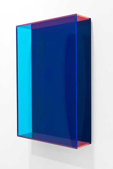 Regine Schumann, colormirror dark blue bonn, 2016, acrylic glass, fluorescent, 75 x 50 x 15 cm.