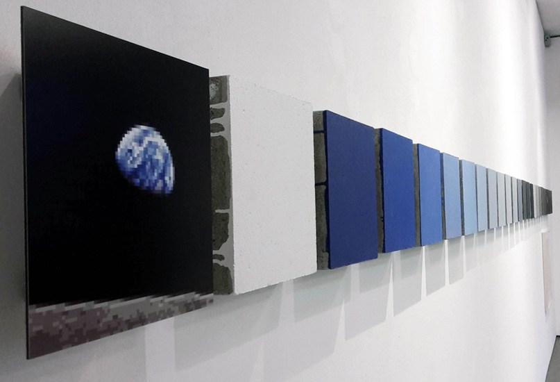 Achim Mohné, Edition 0,0064 Megapixel - Planet Earth Is Blue And There Is Nothing I Can't Do, 2017, Aufl. 24 x 2, Farbe auf Betonplatten, signiert, je 25 x 25 cm.